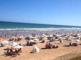 [Inema aponta 14 praias impróprias ao banho para este fim de semana]