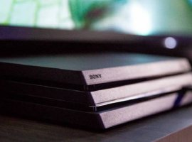 [Playstation 4 Pro chega ao Brasil no dia 19 de fevereiro por R$ 3.000]
