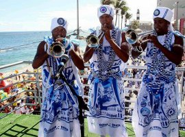 [Afoxé Filhos de Gandhy terá ala de inclusão social no Carnaval 2018]