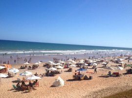 [Inema aponta 14 praias impróprias para banho neste fim de semana no litoral]