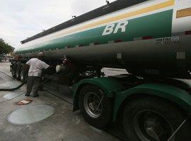 [Gasolina da Petrobras atinge maior preço da era de reajustes]