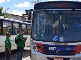 [STT retira dois ônibus de circulação por irregularidades]