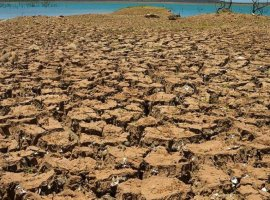 [Seca e enxurradas afetam municípios na Bahia]