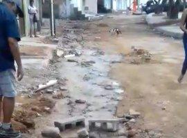 [Leitor denuncia vazamento no Gravatá e diz que moradores estão sem água]