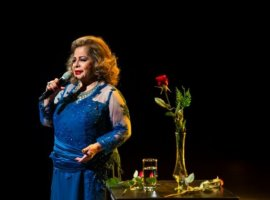[Morre a cantora Angela Maria aos 89 anos]