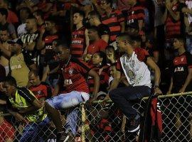 [Vitória faz promoção de ingressos para jogo contra o Santos]