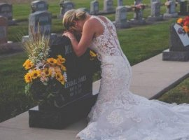 [Mulher 'se casa' com o noivo morto e faz fotos]