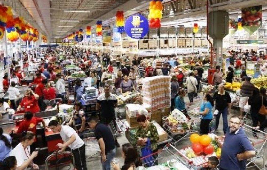 [Em novembro, vendas no comércio varejista baiano crescem 4,5%]