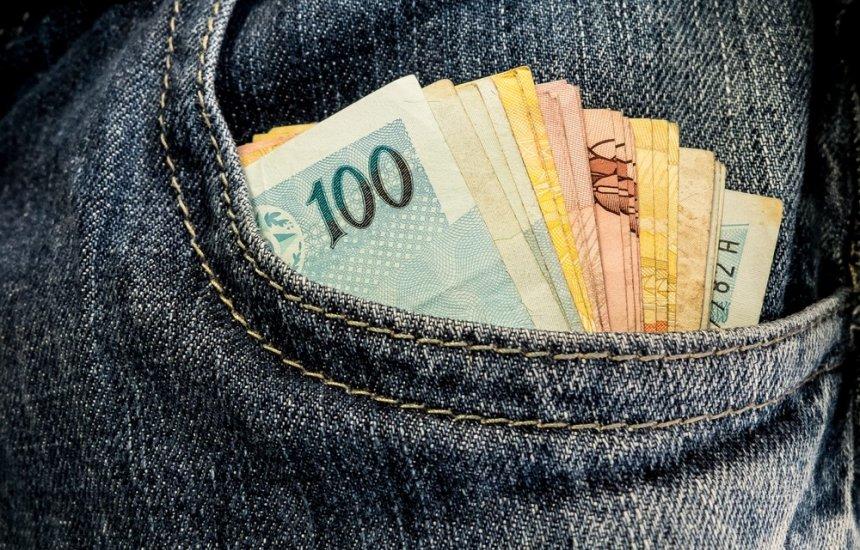 [Bolsonaro tem até abril para definir regra de reajuste do mínimo]