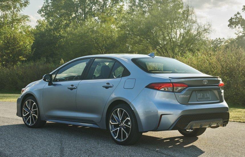 [Toyota lançará carro híbrido com motor flex no Brasil neste ano]