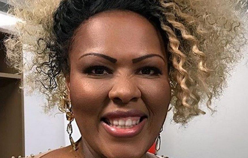 [Lutando contra câncer, cantora do Grupo Fat Family morre aos 39 anos]