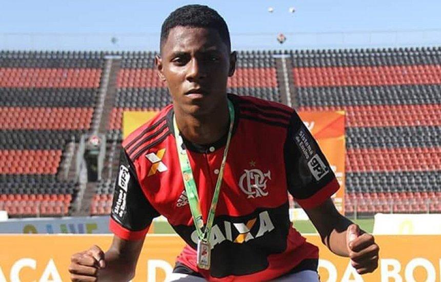 [Sobrevivente em incêndio no Flamengo mostra evolução e começa a andar]