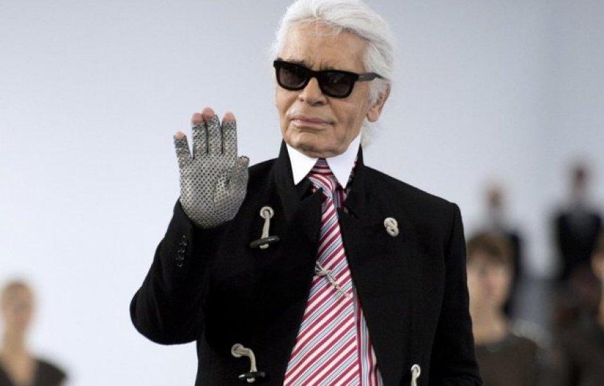 Morre o estilista Karl Lagerfeld, diretor da Chanel, aos 85 anos