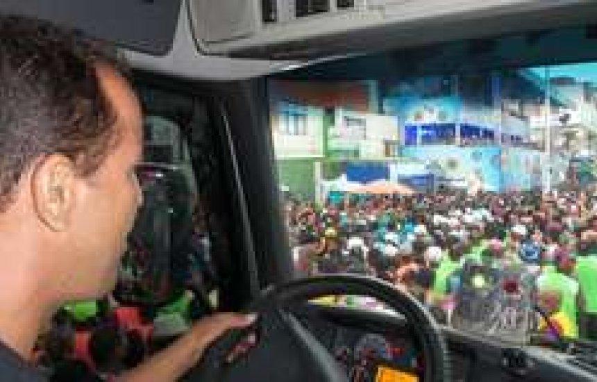 Escola de Trânsito do Detran capacita condutores de trios para prevenir acidente