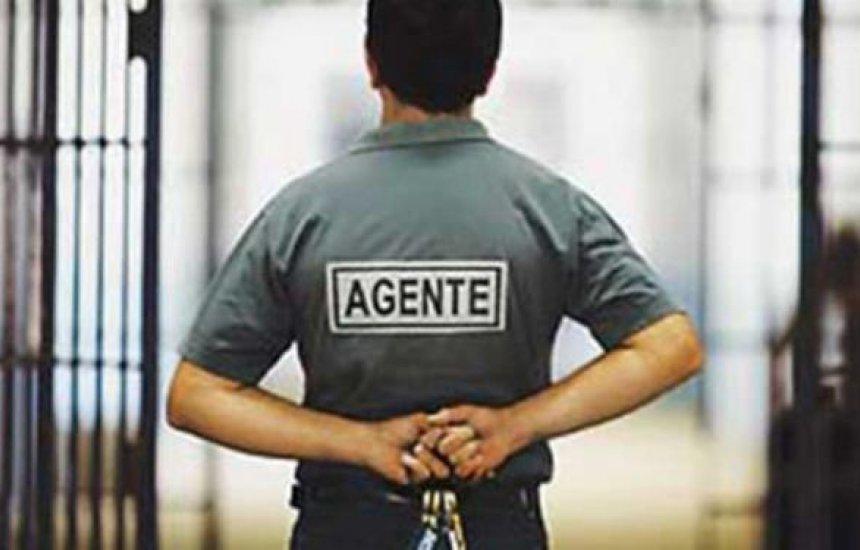[Agentes penitenciários da Bahia passam a usar armas de fogo em serviço]