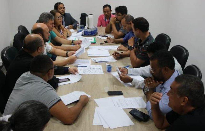 [CCJ da Câmara de Camaçari se reúne para analisar projetos de lei]