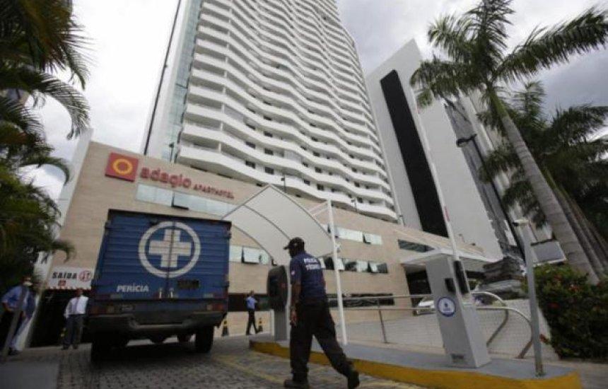 Pai e filho são encontrados mortos em estacionamento de apart-hotel