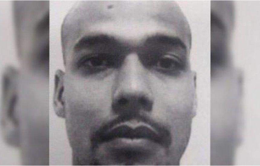 [Chefe do tráfico no Rio de Janeiro morre após o seu próprio fuzil explodir]