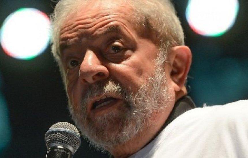 [Lula diz que Brasil é governado por 'bando de maluco']