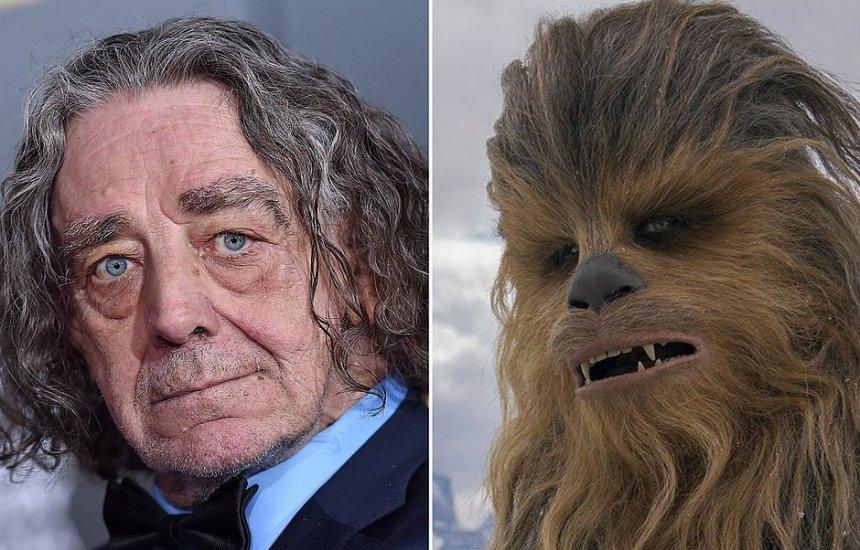 [Intérprete de Chewbacca, ator Peter Mayhew morre aos 74 anos]