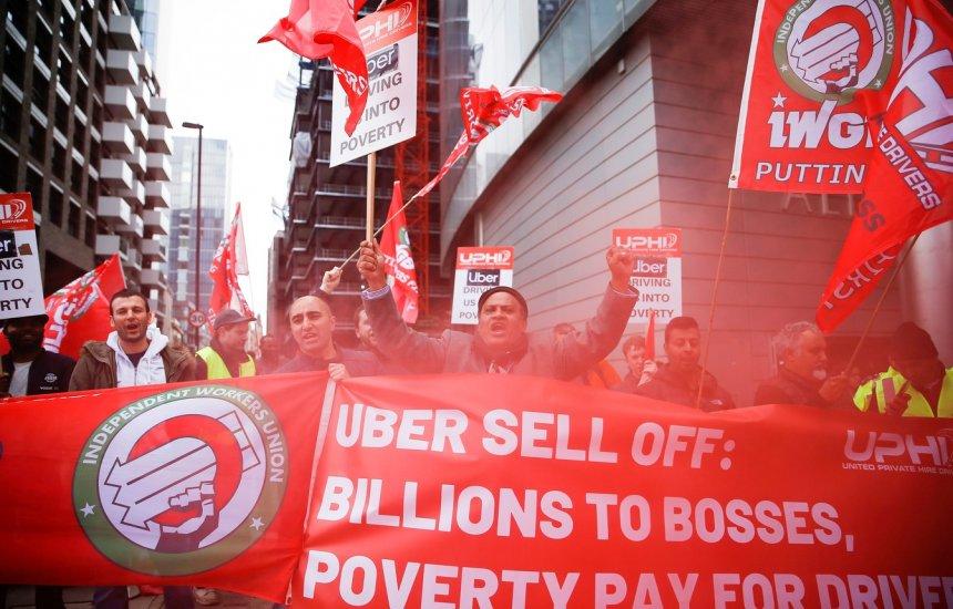 [Motoristas de Uber e 99 fazem greve, e corrida fica mais cara]
