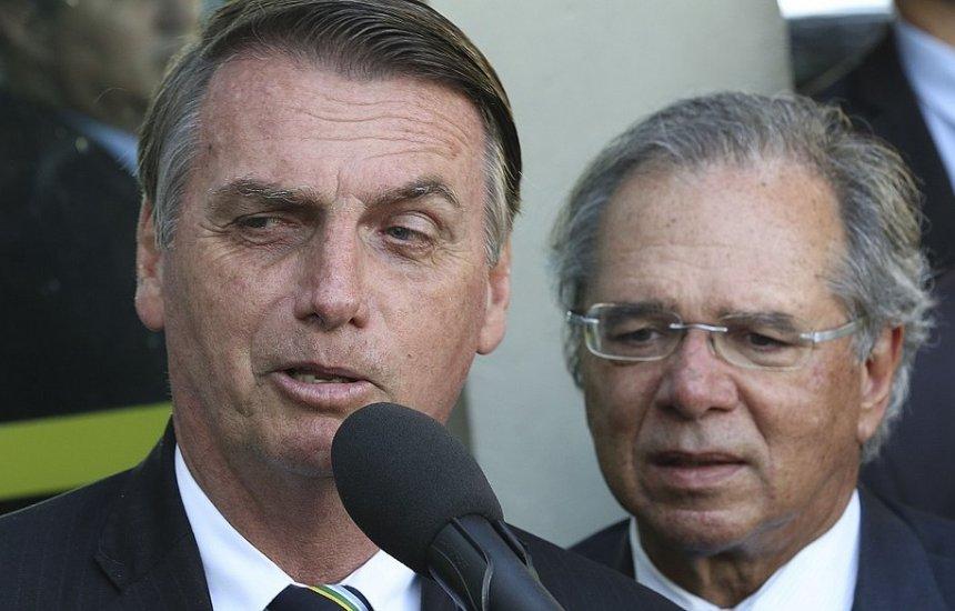 [Bolsonaro culpa parlamentares por dificuldade em botar o país 'no rumo certo']