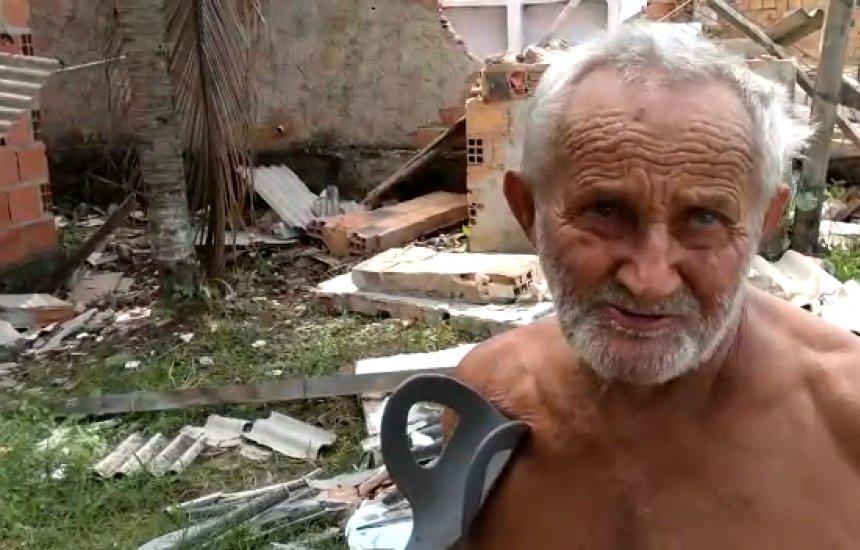 [Demolições deixam idoso desabrigado em Camaçari]