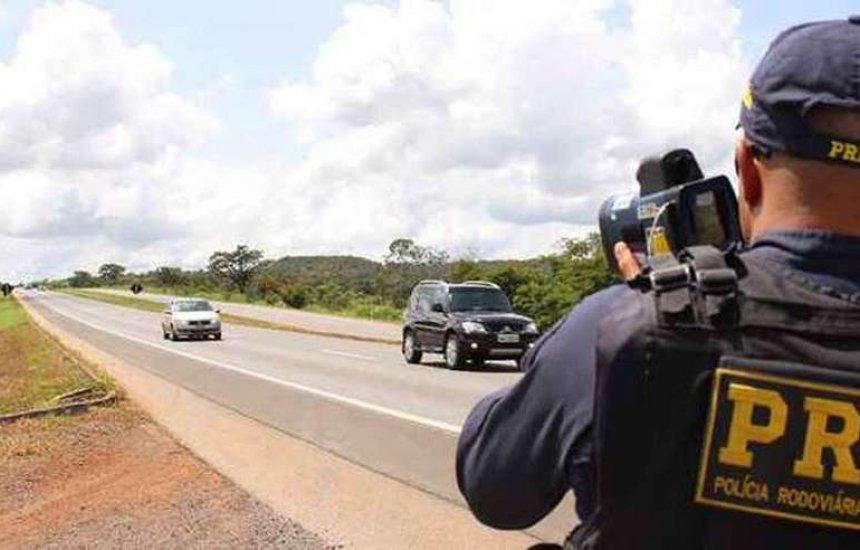 ['Armadilha para pegar motoristas', diz Bolsonaro que quer fim dos radares móveis]