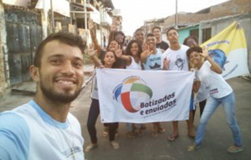 [Juventude Missionária do Sub Regional 1 realiza missão em Arembepe]