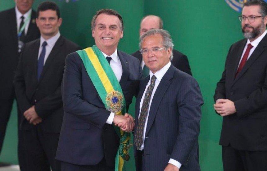 [Bolsonaro rebate fala de Paulo Guedes: 'ninguém é obrigado a ficar']