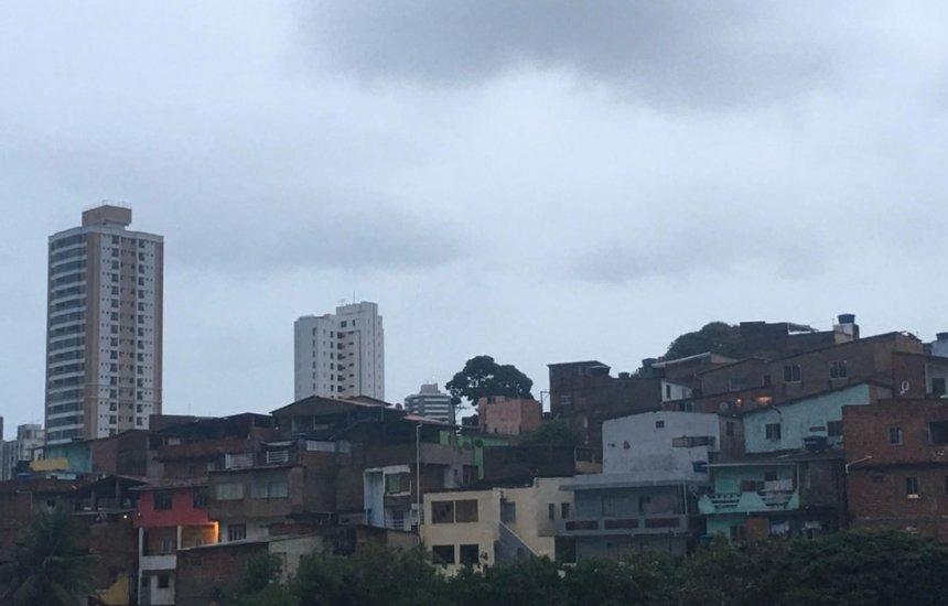 [Salvador e interior têm previsão de tempo nublado com chuva durante o feriadão]