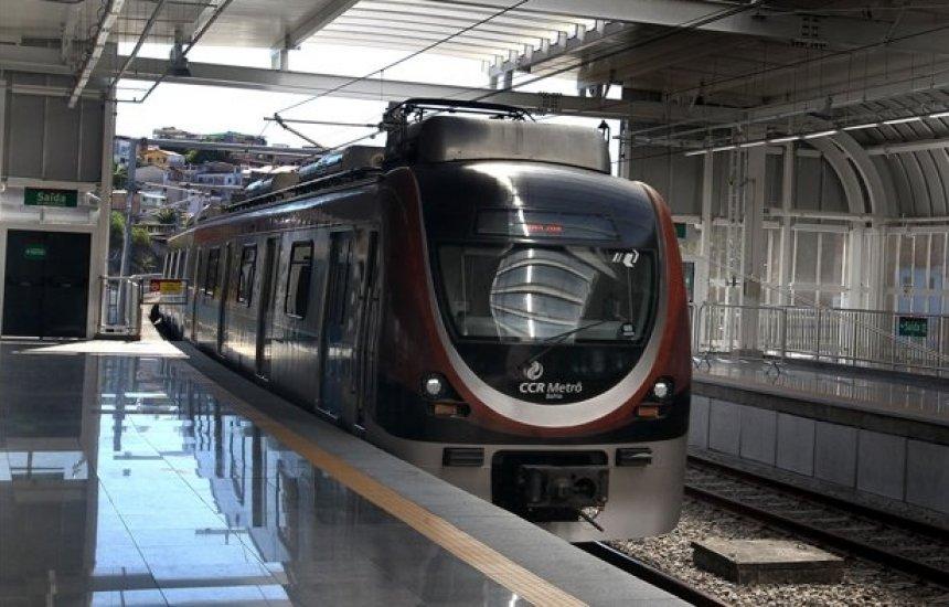 [Trem da linha 1 para e precisa ser retirado de circulação em Salvador]