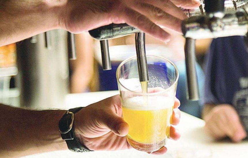 [Governo retira limites de milho e arroz na cerveja produzida no Brasil]