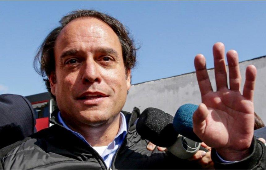 [Ex-advogado de Najila responde a Neymar pai, e juiz arquiva caso]