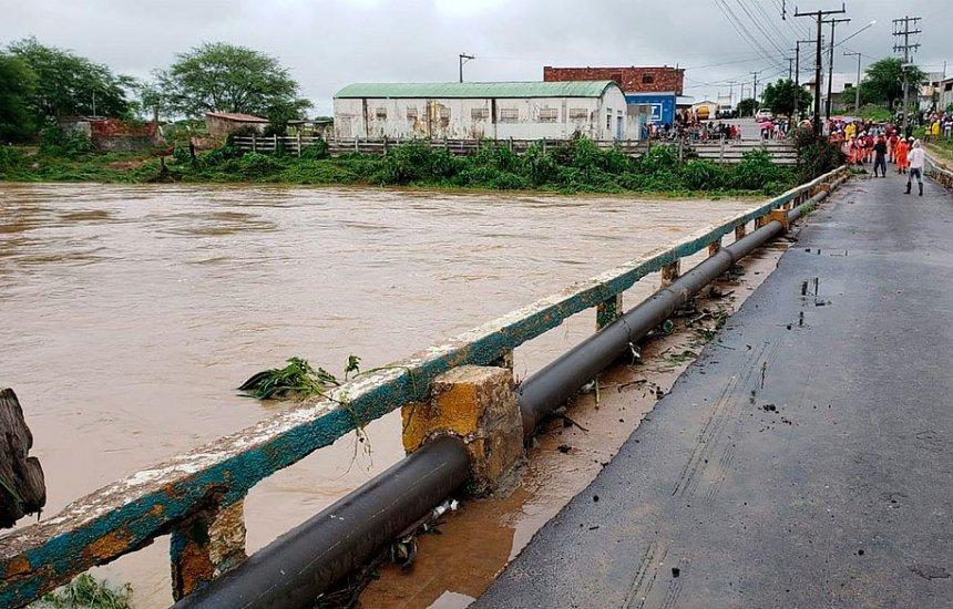[Bahia: Chuva na região do rompimento da barragem vai persistir até domingo]