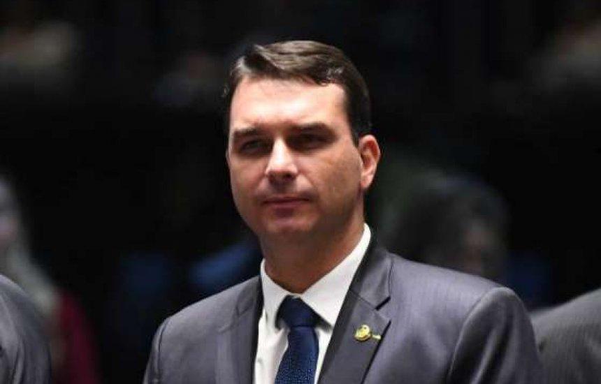 [STF determina suspensão de investigação contra Flávio Bolsonaro]