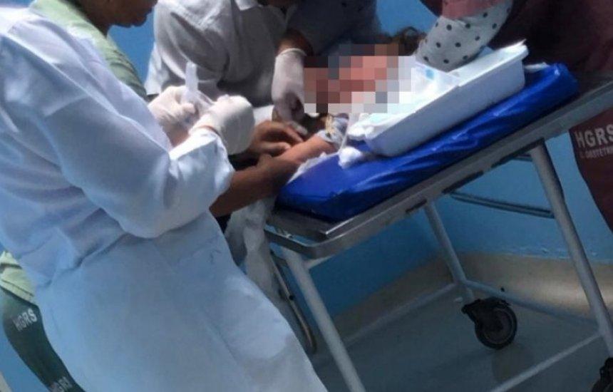 [Criança de 1 ano é hospitalizada após ingerir cocaína encontrada em condomínio]