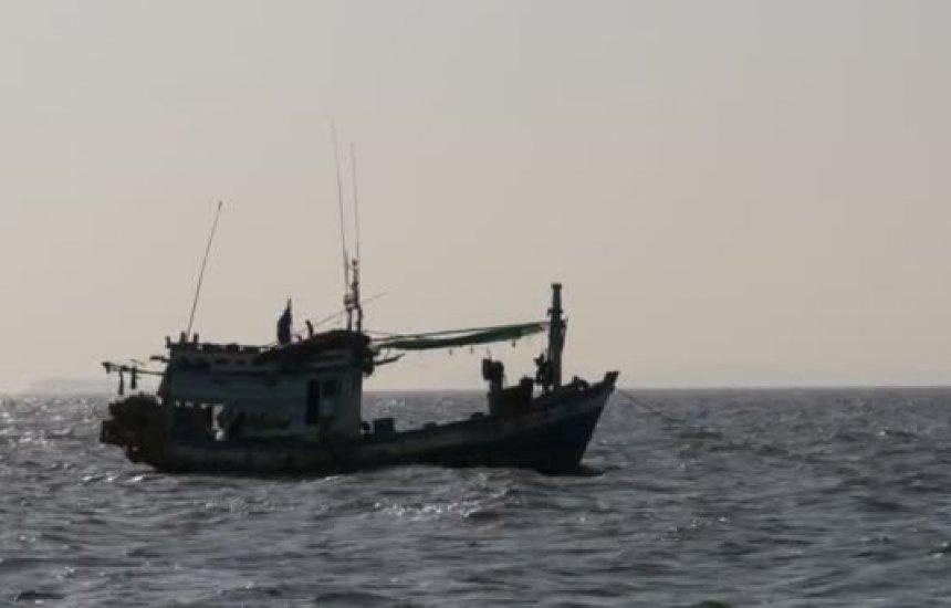 [Barco pesqueiro desaparece com cinco pessoas na Bahia; Marinha faz buscas]