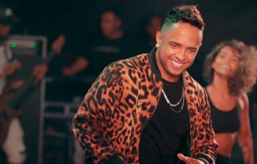 [La Fúria lança clipe oficial da música 'Oi, Fake'; assista]