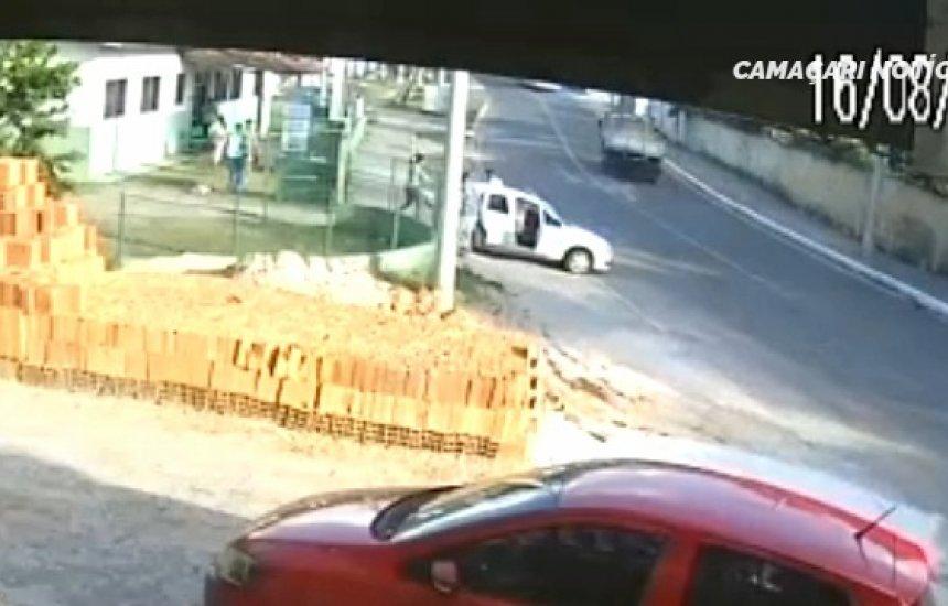 [Funcionárias de posto de saúde de Camaçari sofrem assalto e têm carro roubado]