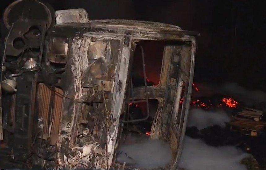 Vítimas de acidente grave entre ônibus e carreta no sul da BA são identificadas