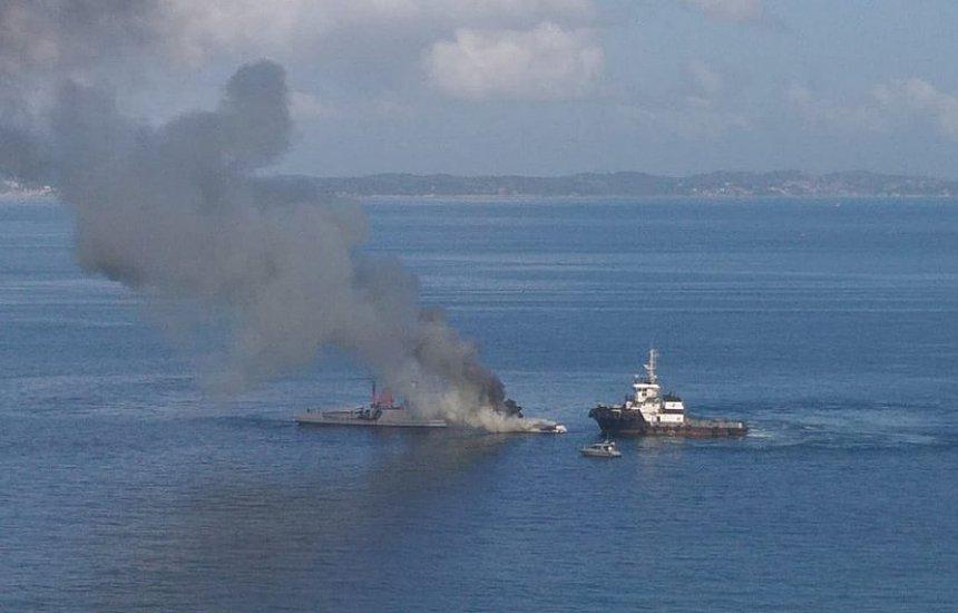 [Marinheiro salvou filho de incêndio em lancha: 'Estava preso']