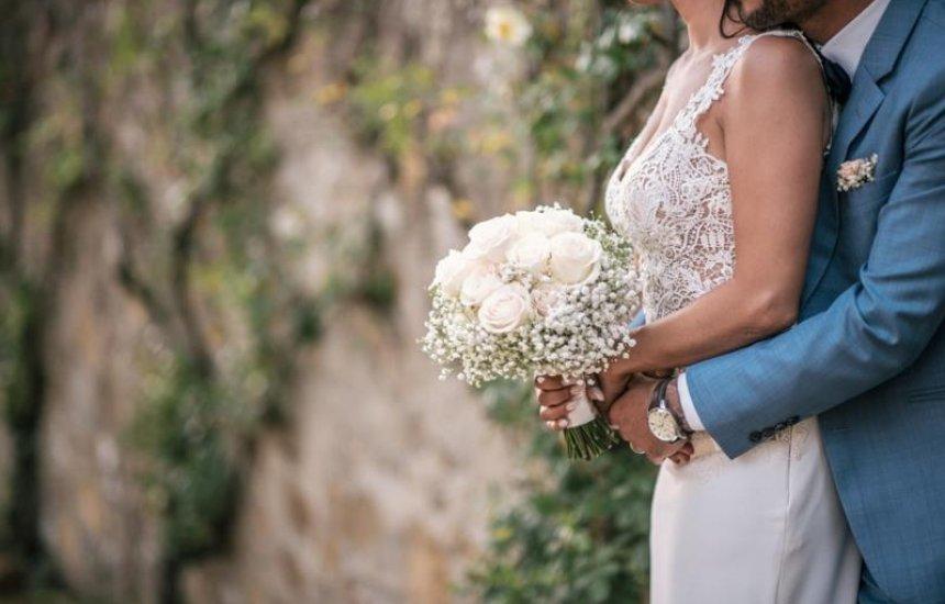 [STJ autoriza acréscimo de sobrenome do cônjuge após casamento]
