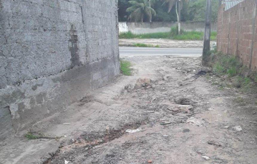['Estamos completamente abandonados', diz moradora do Santo Antonio]