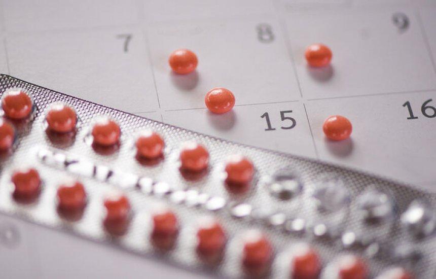 [Na prática, risco de engravidar com pílula é 27 vezes maior do que com DIU, diz médica]