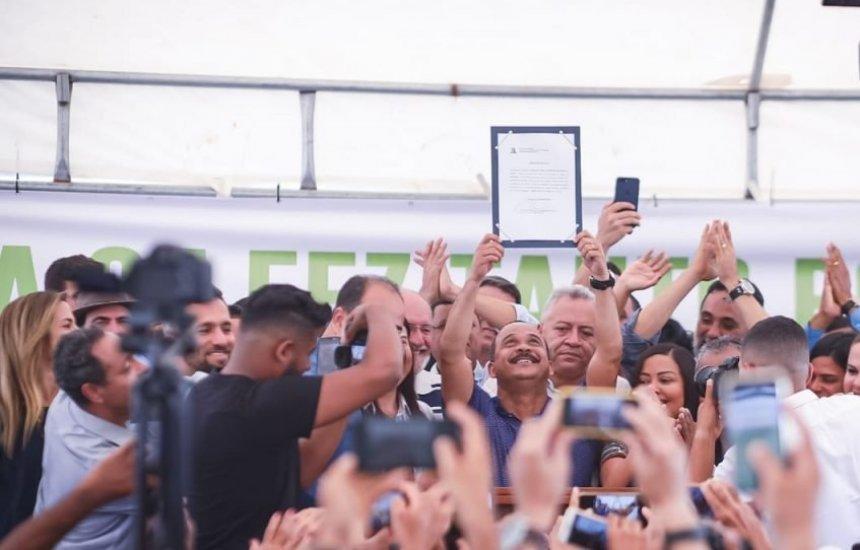 Elinaldo assina Ordem de Serviço para duplicação do Viaduto do Trabalhador