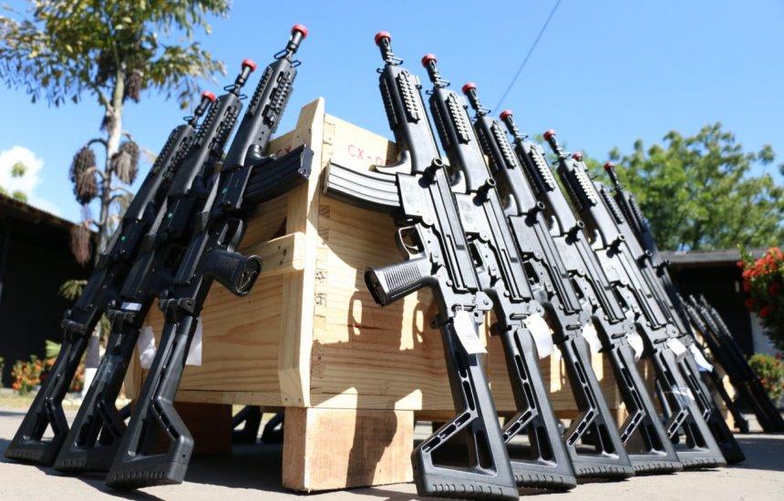 [Polícia Civil da Bahia recebe 200 novos fuzis e espingardas]