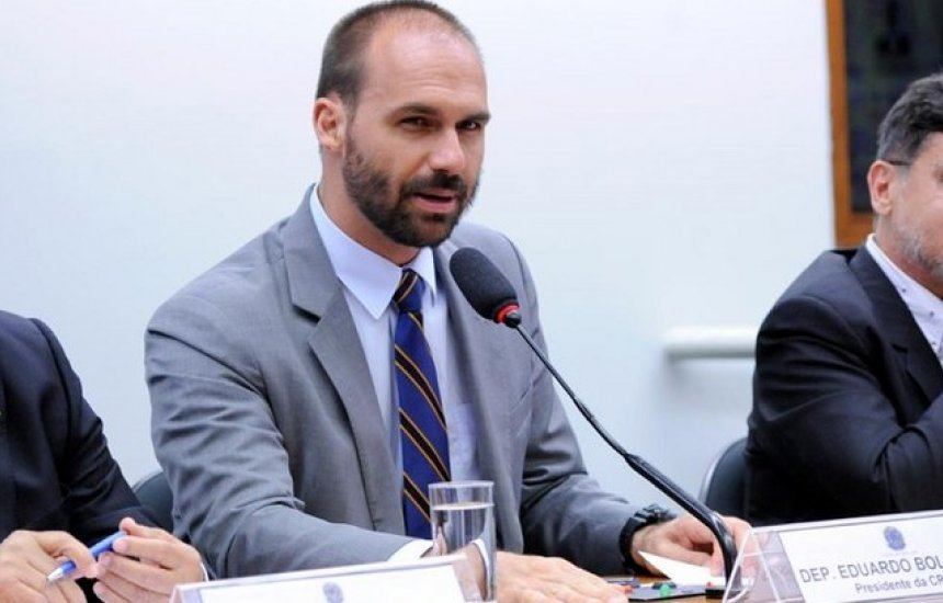 [Eduardo Bolsonaro e outros 17 deputados são suspensos do PSL]