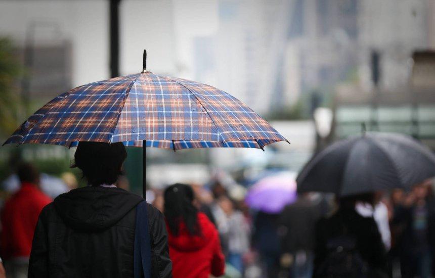 [Último dia do ano terá chuva em quase todo o Brasil; confira previsão]