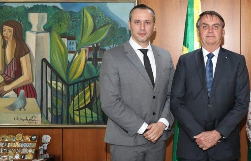 [Bolsonaro exonera secretário especial da Cultura, Roberto Alvim]
